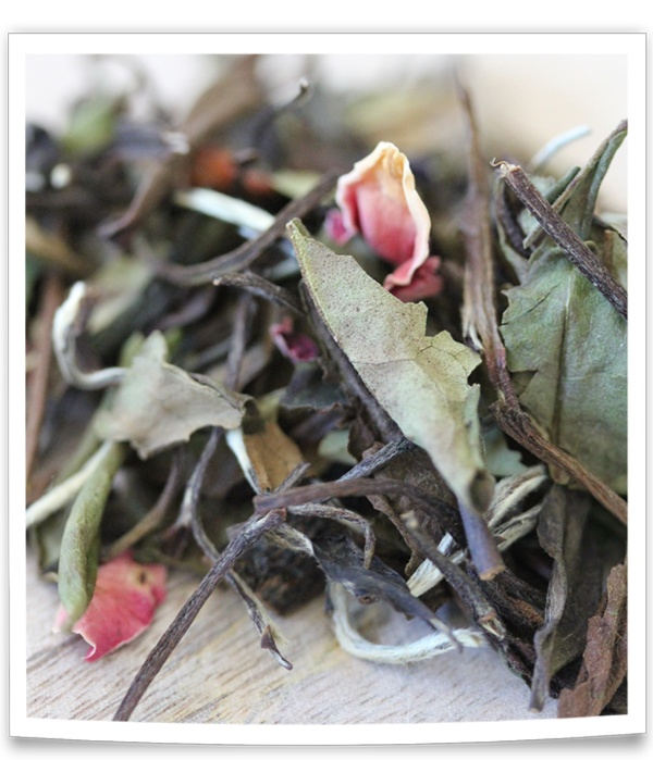 Ceai alb cu Zmeura si Trandafiri