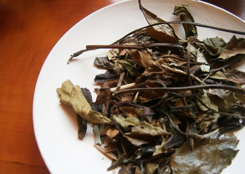 ceai-alb-rozmarin-lamaie