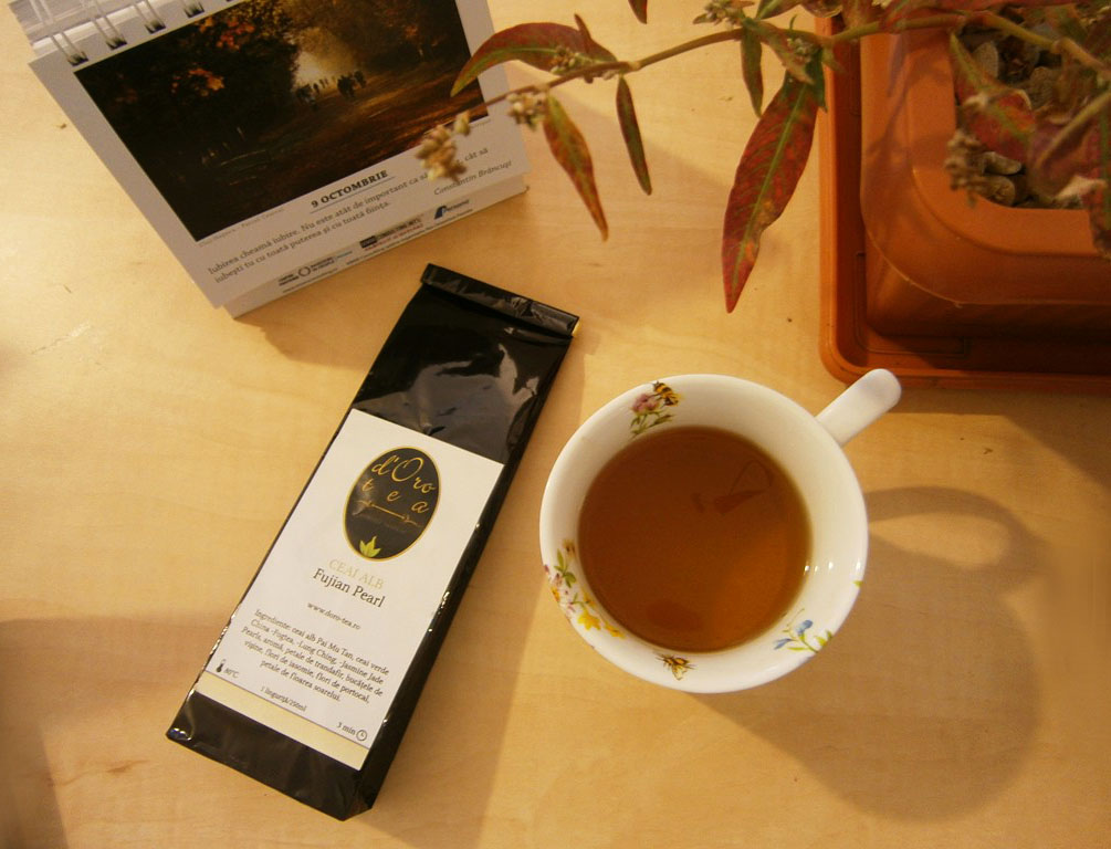 Fujian-Pearl-ceai-alb-dorotea