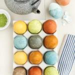 Ouă de Paște colorate natural cu ceai și condimente