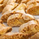 Rețetă pentru ceai: Biscotti crocanți cu alune