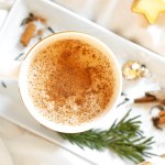 Gingerbread Tea Latte. Aromă de turtă dulce într-o băutură delicioasă